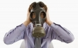 In casa e in ufficio l'aria ci fa ammalare. Mobili e detersivi nemici insospettabili Secondo l'Oms l'inquinamento nei luoghi chiusi è la principale causa di morte legata a fattori ambientali. E fa calare la produttività di chi lavora o studia